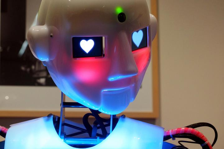robotlovelovelivinglabweb.jpg