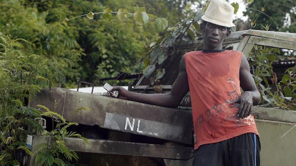 2_Empire_Migrants_Suriname_videostill_th.jpg