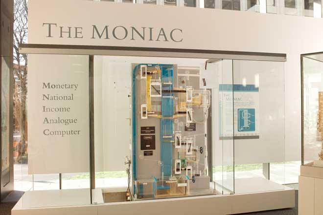 MONIAC.jpg